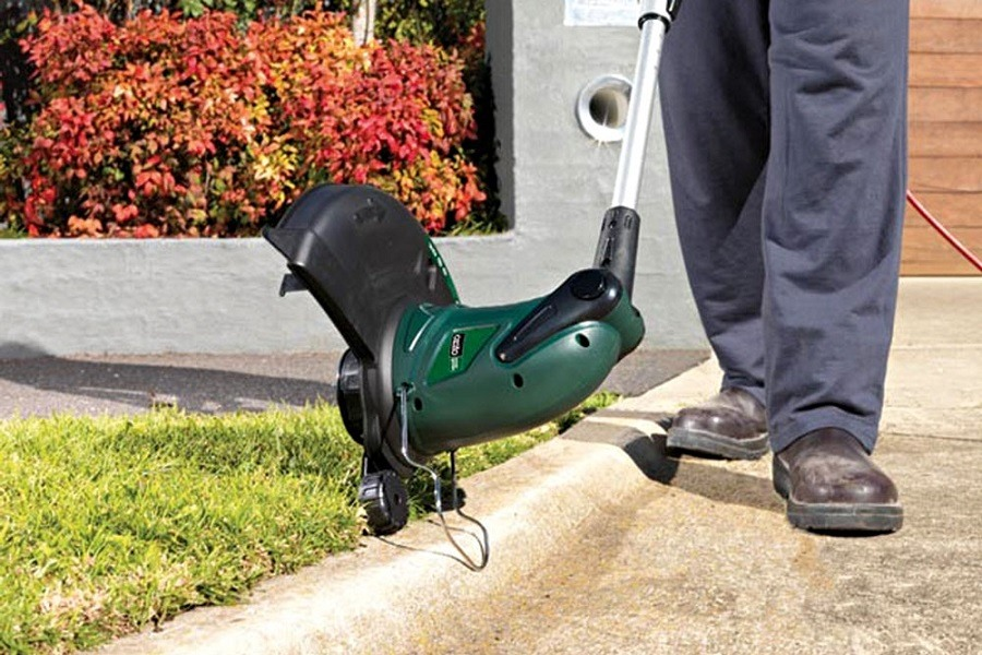 guide to choosing the best lawn edger | edgemylawn.com
